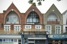 Flat to rent in Archway Road, Highgate...