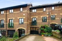 4 bedroom property in Ridgeway Gardens...