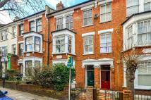 Flat to rent in Northwood Road, Highgate...