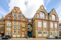 Flat to rent in Highgate Hill, Highgate...