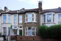 1 bed Flat to rent in Wightman Road...