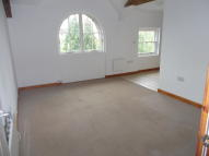 Flat to rent in Flat 3 Queens Court...