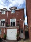 3 bedroom semi detached house to rent in Thorne Farm Way...