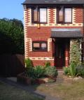 2 bedroom semi detached property in CENTURION CLOSE, Reading...