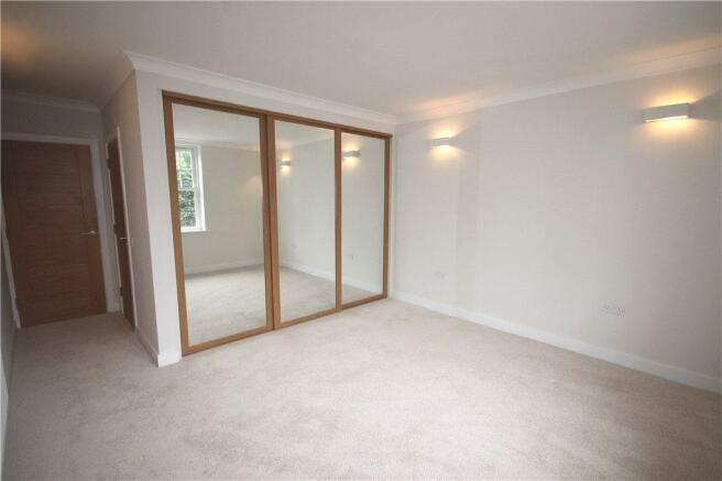 Alt Bedroom 1