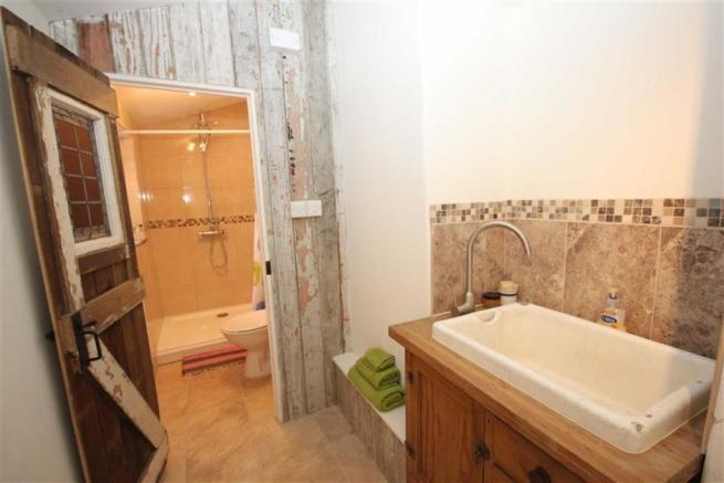 Shower Room/Utility