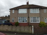 2 bed Ground Maisonette in Eversley Avenue...