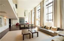 3 bedroom Flat in Armitage Hall...