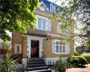 6 bed Detached house to rent in Cavendish Avenue...