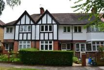 4 bedroom Terraced property to rent in Park Drive, Acton