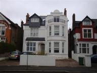 1 bed Apartment to rent in Madeley Road, Ealing