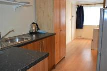 Studio apartment in Southdown Avenue, Hanwell