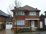 4 bedroom Detached home in The Ridings, Ealing