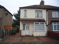 3 bed semi detached home to rent in Lincoln Road, Erith, DA8