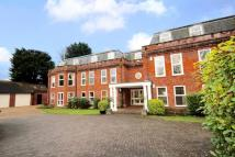 4 bedroom Apartment in Old Windsor, Windsor, SL4