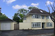 6 bed Detached house in Helgiford Gardens...