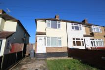 End of Terrace property to rent in Warwick Avenue, Egham...