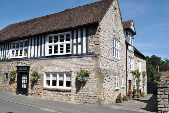 4 Bedroom Town House For Sale In Sheinton Street Much Wenlock Tf13