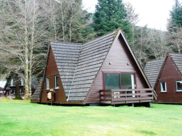 3 bedroom log cabin for sale in lodge 25 great glen water for One room log cabin for sale