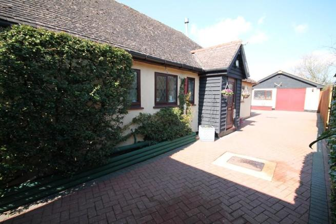 Bungalow and garage