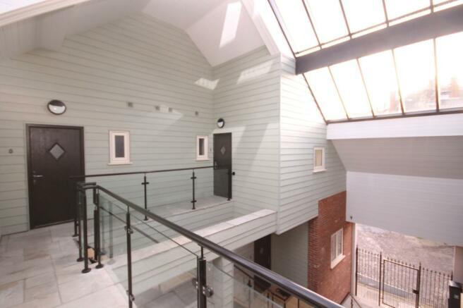 Atrium//Apartment En