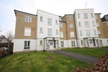 Flat to rent in Tudor Way, Knaphill...
