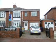4 bedroom semi detached house in Richmond Avenue...