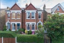 Flat in Clive Road , London