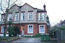 Maisonette to rent in Court Lane, Dulwich
