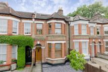 4 bed Terraced property in Gipsy Road,