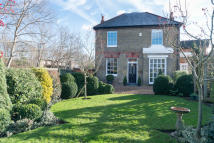 Terraced property for sale in Acacia Grove , London
