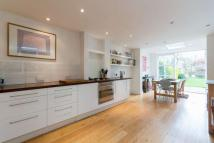 4 bed Terraced home for sale in Friern Road , London