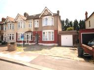 4 bed house in Dawlish Drive, Ilford...