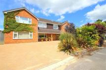 6 bed Detached property to rent in Battlemead Close...