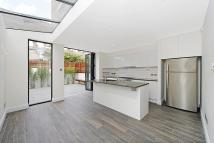 4 bed house in Latimer Road, London, W10