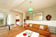 2 bedroom Maisonette in St Marks Rd, London, W10