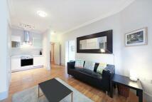 1 bedroom Flat in St Helen's Gardens...