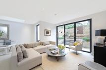 St Helen's Gardens Flat for sale