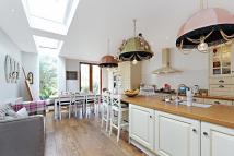 4 bed home to rent in Oxford Gardens, London...