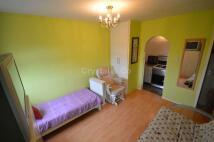 Studio apartment to rent in Wheatlands, Hounslow
