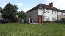 2 bed Maisonette for sale in North Hyde Lane...