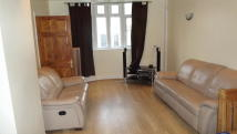 3 bed semi detached house to rent in Cromwell Road, Hayes, UB3