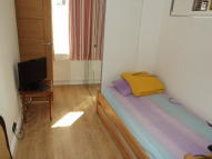 Studio flat to rent in BURLINGTON ROAD...