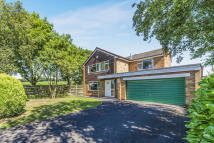 4 bed Detached house in Roseberry Crescent...