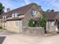 2 Bedroom period cottage rent Shipton Moyne Terraced property to rent