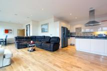 Penthouse to rent in Curtain Road, Shoreditch...