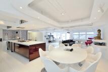 2 bedroom Flat to rent in Laburnum Street...