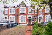 4 bed property in Fortis Green...
