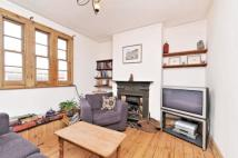 2 bed Flat in Sheen Lane, Mortlake...