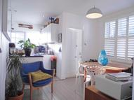 Apartment to rent in Cowley Road, Mortlake...
